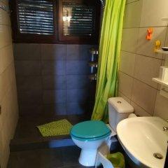 Отель George's House ванная фото 2