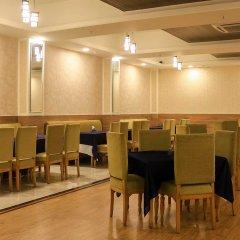 Отель Dee Marks Hotel & Resorts Индия, Нью-Дели - отзывы, цены и фото номеров - забронировать отель Dee Marks Hotel & Resorts онлайн помещение для мероприятий