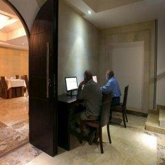 Отель Bass Boutique Hotel Армения, Ереван - 1 отзыв об отеле, цены и фото номеров - забронировать отель Bass Boutique Hotel онлайн интерьер отеля
