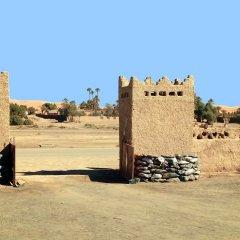 Отель Гостевой дом La Vallée des Dunes Марокко, Мерзуга - отзывы, цены и фото номеров - забронировать отель Гостевой дом La Vallée des Dunes онлайн парковка