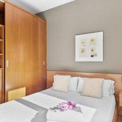 Апартаменты Fisa Rentals Ramblas Apartments сейф в номере