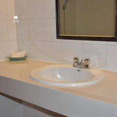 Отель Bangkok Condotel ванная фото 2