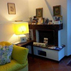 Отель B&b Al Giardino Di Alice Перуджа сейф в номере