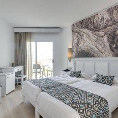 Отель Cala Millor Garden, Adults Only комната для гостей фото 3
