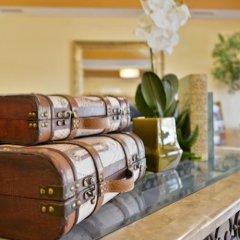 Отель Comfort Suites Tulare в номере