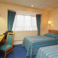 Отель Thistle Barbican Shoreditch сейф в номере