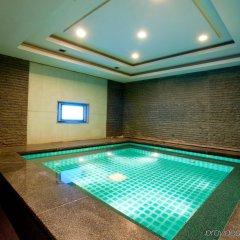Отель Majesty Plaza Shanghai Китай, Шанхай - отзывы, цены и фото номеров - забронировать отель Majesty Plaza Shanghai онлайн бассейн фото 3
