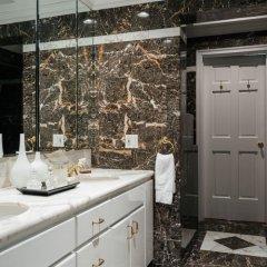Отель onefinestay - Upper East Side private homes США, Нью-Йорк - отзывы, цены и фото номеров - забронировать отель onefinestay - Upper East Side private homes онлайн ванная