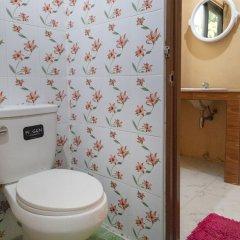 Апартаменты OYO 648 Ake Apartment Паттайя ванная