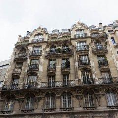 Отель Marais Renard Париж вид на фасад