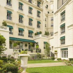 Shangri-La Hotel Paris фото 4