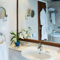 Coral Beach Hotel and Resort ванная
