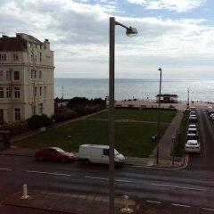 Отель Smart Sea View Brighton пляж