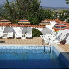Отель Dvata Brjasta Family Hotel Болгария, Асеновград - отзывы, цены и фото номеров - забронировать отель Dvata Brjasta Family Hotel онлайн бассейн