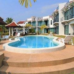 Отель Sunrise Villa Resort бассейн