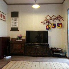 Отель Punggyeong Hanok Guesthouse Южная Корея, Сеул - отзывы, цены и фото номеров - забронировать отель Punggyeong Hanok Guesthouse онлайн удобства в номере