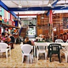 Отель Hostel Playa by The Spot Мексика, Плая-дель-Кармен - отзывы, цены и фото номеров - забронировать отель Hostel Playa by The Spot онлайн гостиничный бар