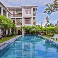 Отель Green Hill Villa Хойан бассейн