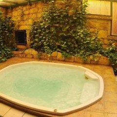 Отель Asia Royal Suite бассейн