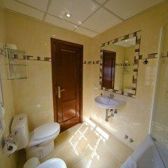Отель Hostal La Muralla ванная