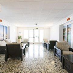Отель azuLine Hotel S'Anfora & Fleming Испания, Сан-Антони-де-Портмань - отзывы, цены и фото номеров - забронировать отель azuLine Hotel S'Anfora & Fleming онлайн интерьер отеля фото 3