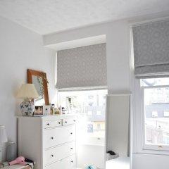 Отель North London 2 Bedroom Flat With Roof Terrace Лондон в номере