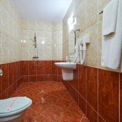 Отель Guest House California Болгария, Поморие - отзывы, цены и фото номеров - забронировать отель Guest House California онлайн ванная