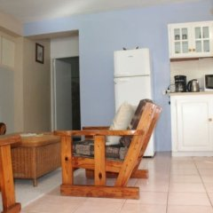 Апартаменты Buttercup Cottage Apartments комната для гостей