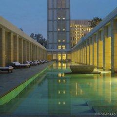 Отель The Lodhi бассейн