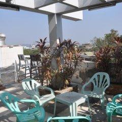 Garden Hotel бассейн