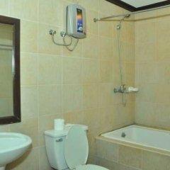 Отель Ace Penzionne Филиппины, Лапу-Лапу - отзывы, цены и фото номеров - забронировать отель Ace Penzionne онлайн ванная