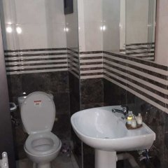 Отель Cheap Luxury Apart In Tangier With Wifi Марокко, Танжер - отзывы, цены и фото номеров - забронировать отель Cheap Luxury Apart In Tangier With Wifi онлайн ванная фото 2