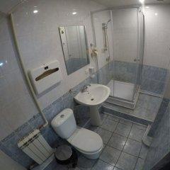 Гостиница Центр Хостел в Краснодаре отзывы, цены и фото номеров - забронировать гостиницу Центр Хостел онлайн Краснодар ванная