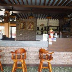 Отель Chomview Resort Ланта гостиничный бар