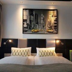 Отель Landmark Eco Hotel (ex Five Floors) Германия, Берлин - отзывы, цены и фото номеров - забронировать отель Landmark Eco Hotel (ex Five Floors) онлайн гостиничный бар