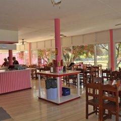 Отель The Pink Palace Корфу гостиничный бар