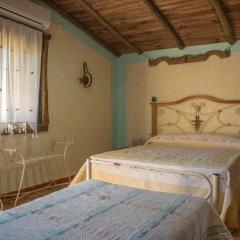 Отель Albergue La Jarilla сейф в номере