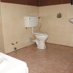 Отель Michelle Suites Нигерия, Калабар - отзывы, цены и фото номеров - забронировать отель Michelle Suites онлайн ванная фото 2