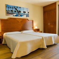 Hotel Monarque El Rodeo сейф в номере
