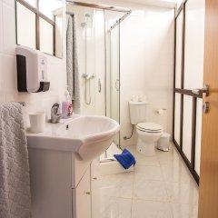 Отель Central Guest House Понта-Делгада ванная