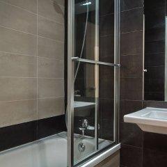 Отель Alpha Tour Eiffel Булонь-Бийанкур ванная фото 2