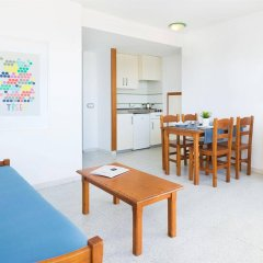 Апартаменты Magalluf Strip Apartment комната для гостей фото 3