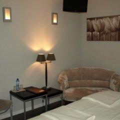 Отель Les Nenuphars комната для гостей фото 5