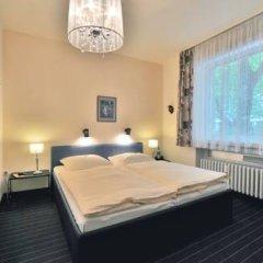 Hotel Am Ehrenhof Дюссельдорф комната для гостей