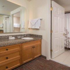 Отель Residence Inn Frederick ванная