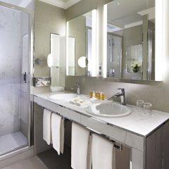 Отель Rochester Champs Elysees Франция, Париж - 1 отзыв об отеле, цены и фото номеров - забронировать отель Rochester Champs Elysees онлайн ванная