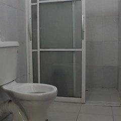 Отель Keves Inn and Suites Нигерия, Калабар - отзывы, цены и фото номеров - забронировать отель Keves Inn and Suites онлайн ванная фото 2