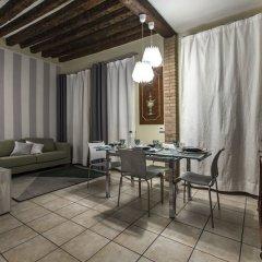 Отель Tiepolo Rialto Apartment R&R Италия, Венеция - отзывы, цены и фото номеров - забронировать отель Tiepolo Rialto Apartment R&R онлайн комната для гостей фото 5