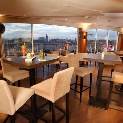 Отель Hôtel Aston La Scala гостиничный бар