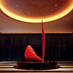 Отель Conrad Tokyo Япония, Токио - отзывы, цены и фото номеров - забронировать отель Conrad Tokyo онлайн интерьер отеля фото 2